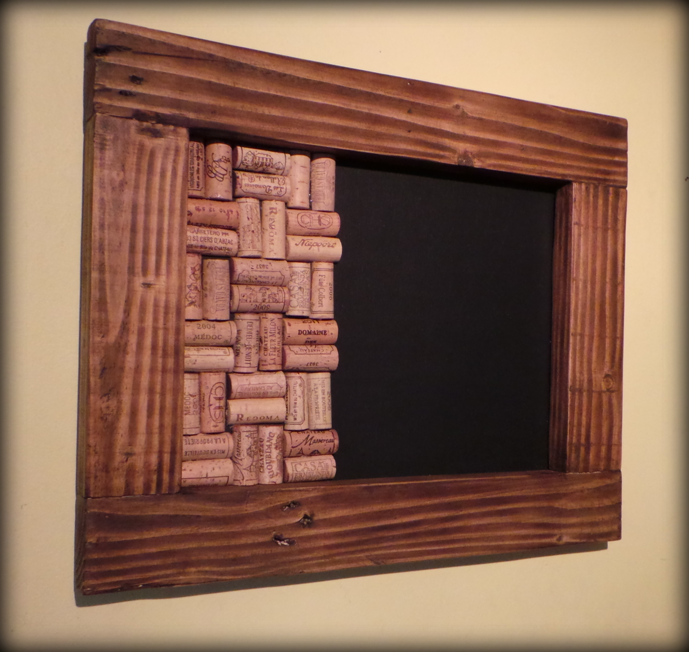 New Memo Boards Made to Order: Blackboards with Wine Cork ...